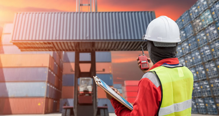 Choosing the right freight forwarder